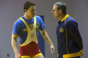 Mark Schultz (Channing Tatum) with du Pont