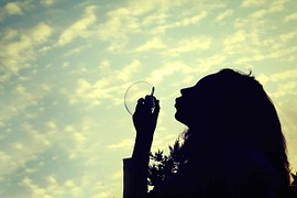 girl-348596__180 ecowa Pixabay FREE No Attribution Required