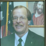 """Former Ohio mayor who """"dedicated life to Christ"""" admits to raping 4-year-old"""