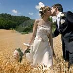 marriage-kiss-13331517