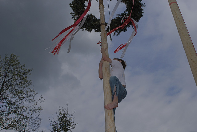 Up the Maypole by Alexander Forst-Rakoczy (CC BY-NC-ND 2.0)