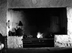 Old Irish Hearth, Lough Doolin, C. Clare (1935). Public domain image.