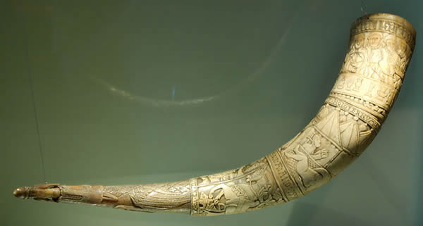 """Drinking Horn - Brynjólfur Jónsson of Skarð, South Iceland - 1598"" by Zil - Own work. Licensed under CC BY-SA 3.0 via Wikimedia Commons."
