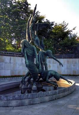 The Children of Lir in Dublin  / Photo by Spiritscraft