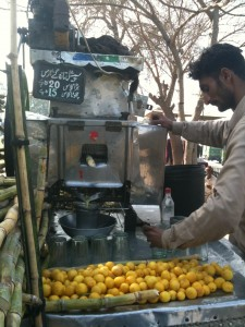 the sugarcane juice is coming out!