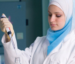 woman lab tech