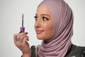"Who Benefits by ""Hijabis"" Featured in the Mainstream Fashion Industry?"