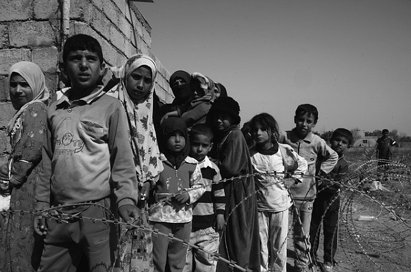 Children of war, hungry, orphaned. Image source: Pixabay