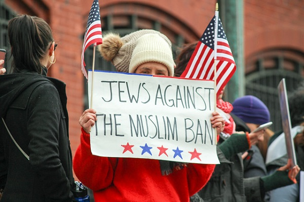 Jews against the Muslim ban, photo taken by Joe Flood, Flickr Creative Commons