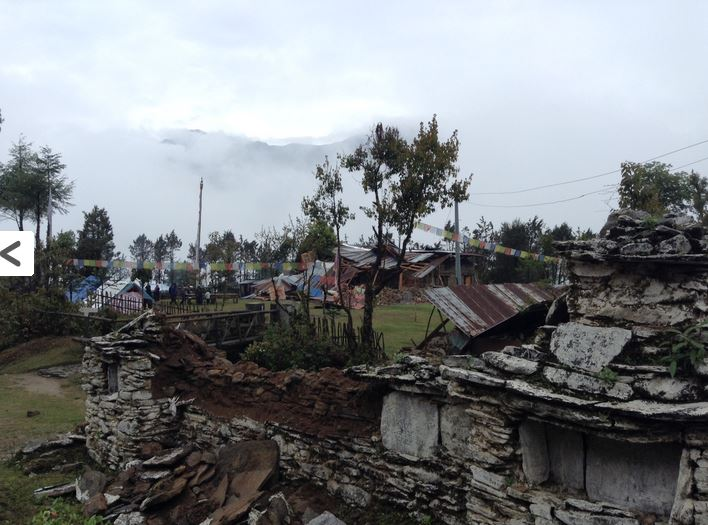 tarke gyang nepal earthquake destruction