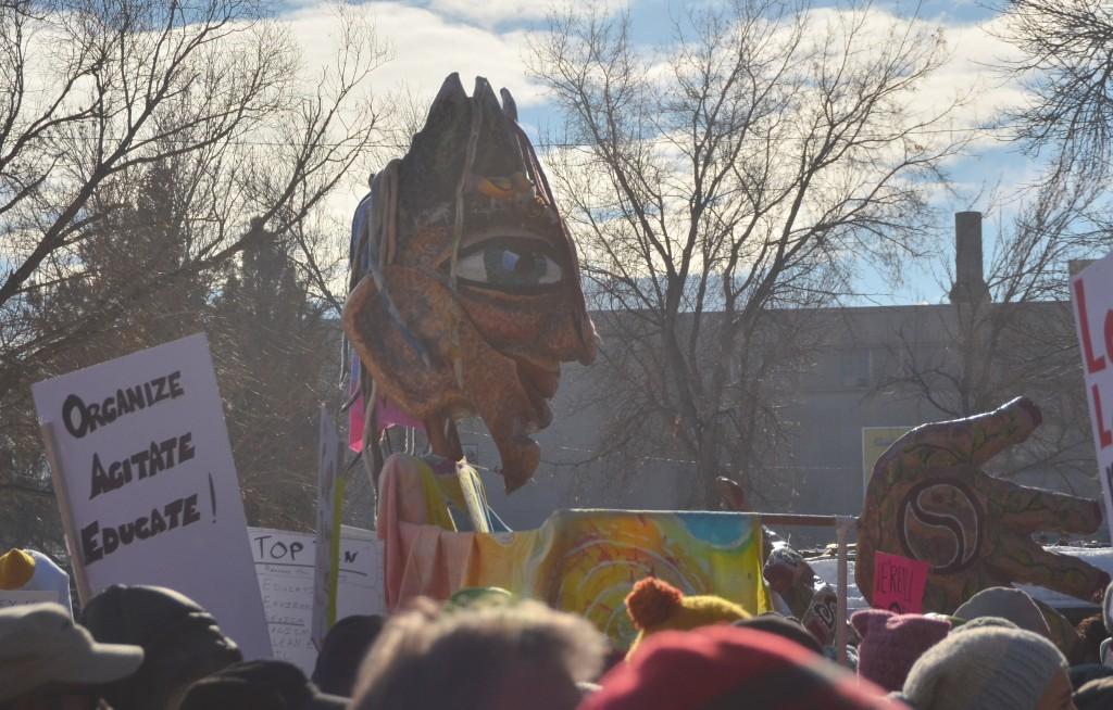 The goddess puppet Synnovei