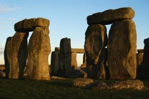 Sarsen_Stones_at_Stonehenge_-_geograph.org.uk_-_1627241