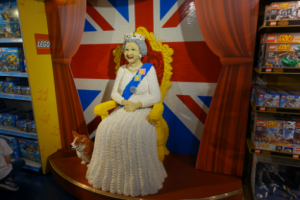 Lego Queen AB