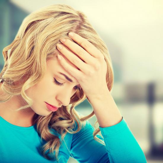 6 Telltale Signs that You Might be Experiencing ANXIETY (and How to Get Help)-0
