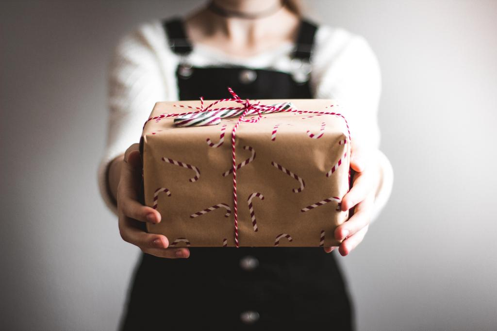 1 The Most Important Gifts You Can Give This Season Shaunti Feldhahn