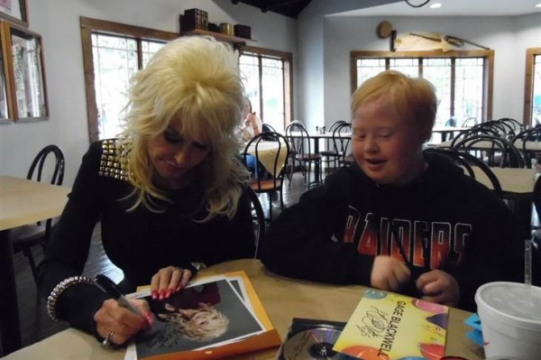 dolly-parton and Gage