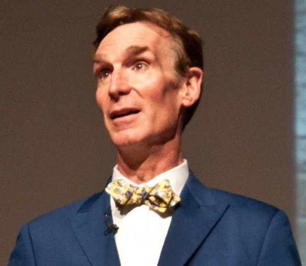 Bill_Nye_at_Tech8_cropped_to_shoulders_flipped
