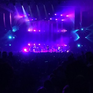"Hillsong United performing ""Empires"" in Atlanta, 7/19/16"