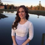 Actress Erin Krakow Talks Role Models, Family Friendly TV, and Counting Her Blessings
