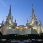 The San Diego California Temple of The Church of Jesus Christ of Latter-day Saints (Click to enlarge.  Click again to enlarge further.)