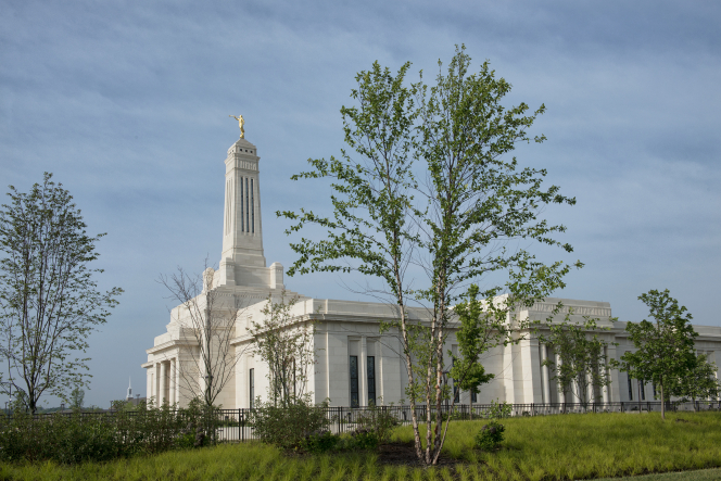 The new temple in Indiana, by daylight