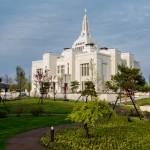 """Christian-style weddings remain popular in Japan"""