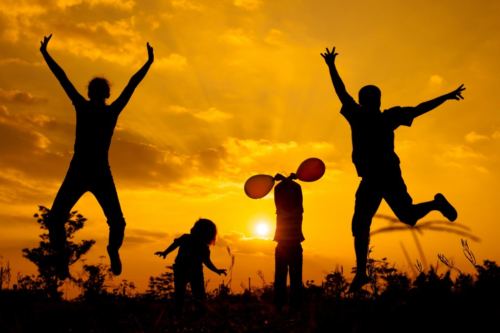 family-silhouette-