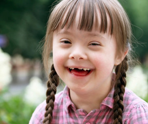 Teen with Down syndrome saves young girl from