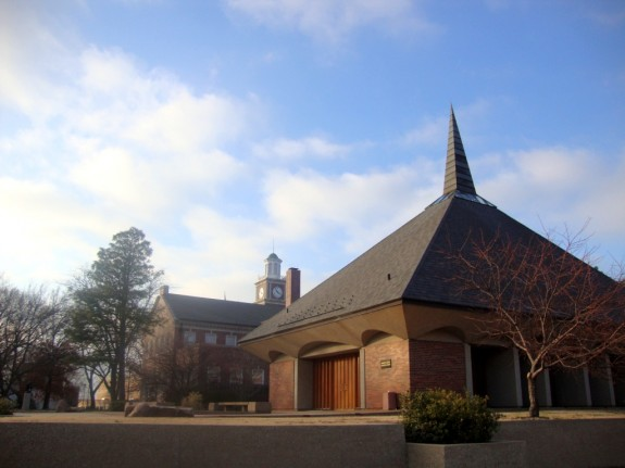 Wichita_State_University_Chapel_In_the_Afternoon