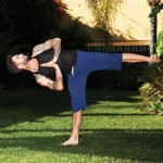 adam-levine-yoga-pose