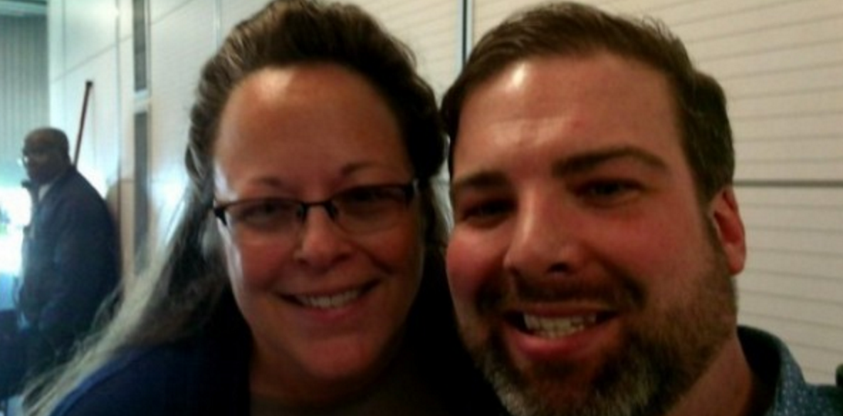 A gay man ran into Kim Davis in an airplane - here's what happened