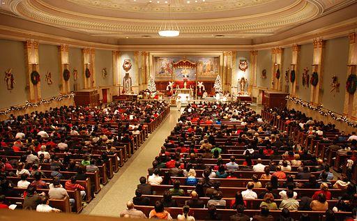 Complete-church-midnight-mass_(3135957575)