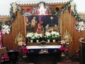 Trinity_Lutheran_Church,_Friedheim,_Missouri_altar,_Dec_20,_2013