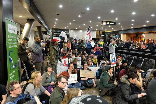 Travel ban hearing: Fiery judges put lawyers on their heels