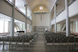 640px-Luther_Church,_Helsinki,_inside