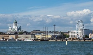 Helsinki_from_sea_with_Cathedral_and_Finnair_Skywheel