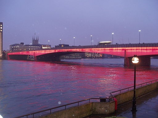 London_Bridge_Illuminated