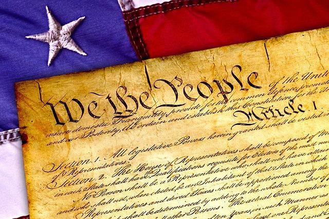 constitution-1486010_640 (1)