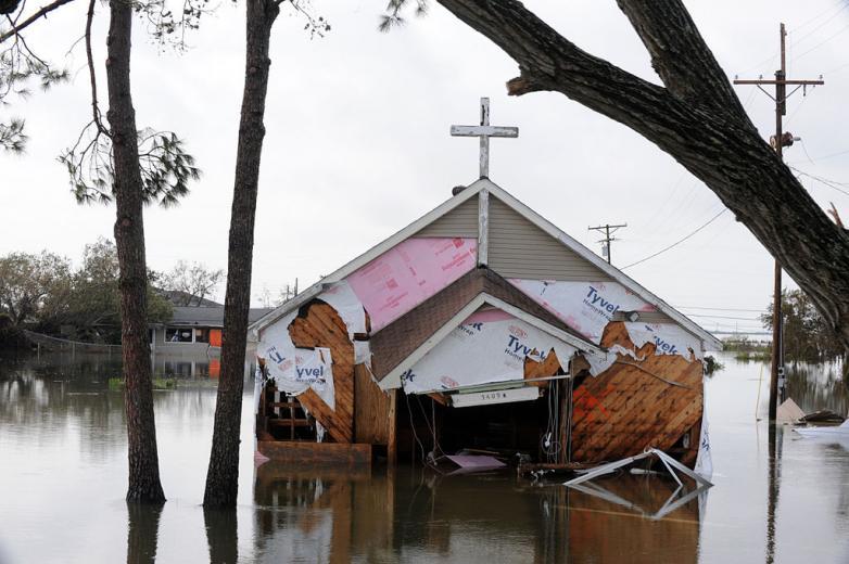 FEMA_-_38982_-_Church_Damaged_by_Hurricane_Ike