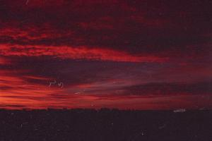 red sky by Marketa on flickr