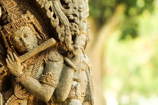 CC-BY-SA Wikimedia Commons (http://commons.wikimedia.org/wiki/File:Krishna_statue,_belur.jpg)