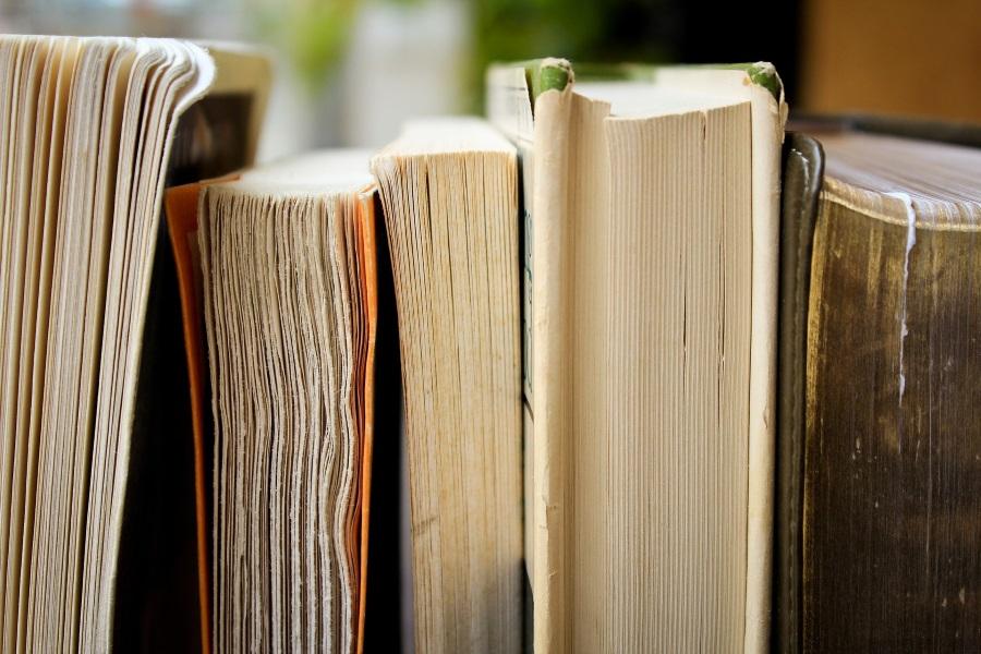 Differing Books