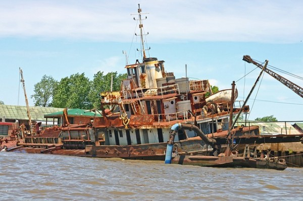 Sinking Ships: 6 Do's, and One Big Don't, for Fundraising