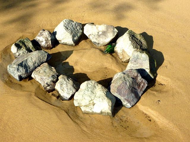 sand-1680216_640