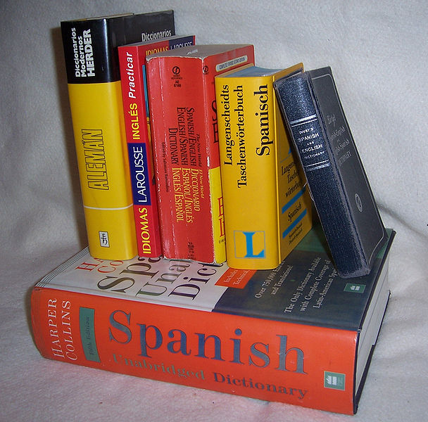 https://commons.wikimedia.org/wiki/File%3ABilingualDictionaries.jpg; By w:User:LinguistAtLarge (English-language Wikipedia) [GFDL (http://www.gnu.org/copyleft/fdl.html) or CC-BY-SA-3.0 (http://creativecommons.org/licenses/by-sa/3.0/)], via Wikimedia Commons