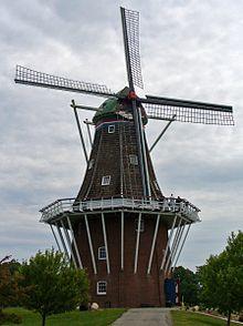 from Wikipedia: https://en.wikipedia.org/wiki/De_Zwaan_(windmill)