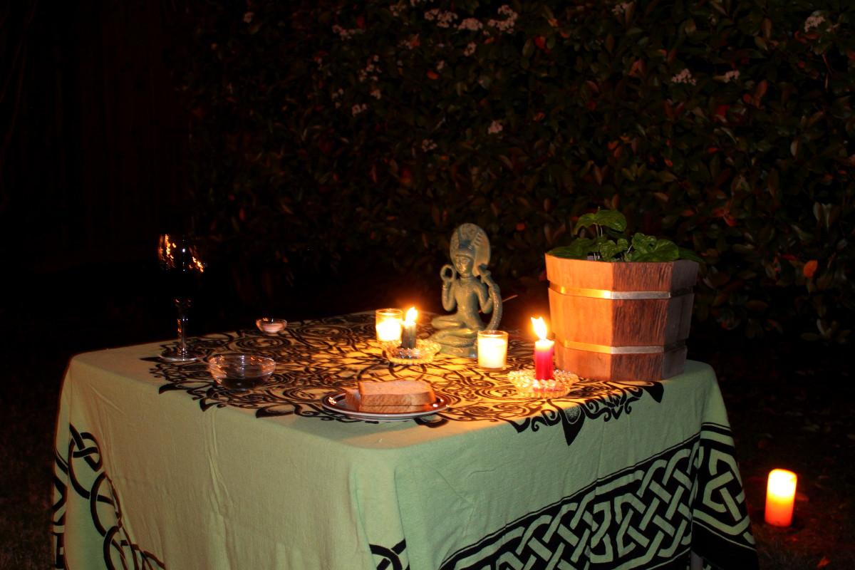 Beltane solitary 04 altar