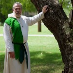 How Should Pagan Clergy Dress?