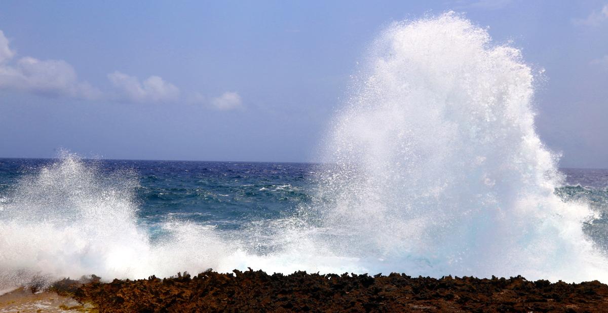 waves on Curacao 2017