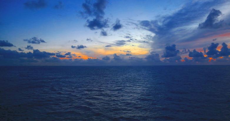 08 at sea 41